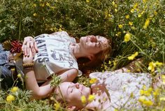bohiti: This was taken on our last day of high school. We wrote our last exam and then scampered off to the park for a picnic and to bask in the sunshine and freedom. Clary Y Jace, Image Deco, Yearning, Summer Aesthetic, Dream Life, Summertime, Lgbt, Romantic, Picnic
