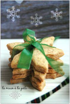 Shortbread with honey and cinnamon + printable labels - La main à la pâté Sugar Cookies From Scratch, Cookie Recipes From Scratch, Oatmeal Cookie Recipes, Easy Cookie Recipes, Sugar Cookies Recipe, Dessert Recipes, Shortbread Recipes, Cheesecake Recipes, Biscuit Recipe