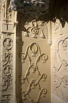 Oratoire d'Anne de Bretagne au chateau de Loches, superbe entrelacs de corde de pierre
