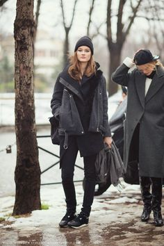 Post image for Denim Street Style: Jac Jagaciak Wears Cool Layers in Cold Weather