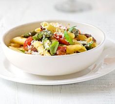 Roasted asparagus, pancetta & cherry tomato pasta - a totally delicious Sunday night supper!