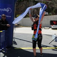 Teresa Nimes, campeona del UT Les Fonts y del Maratón Montaña Finestrat (MAMUFI) en 2013. Suma y sigue.