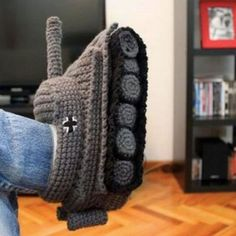 Funny pictures about Crafty tank slippers. Oh, and cool pics about Crafty tank slippers. Also, Crafty tank slippers. Crochet Tank, Crochet Shoes, Knit Crochet, Knitted Owl, World Of Tanks, Knitted Slippers, Crochet Projects, Unique Gifts, Funny Pictures