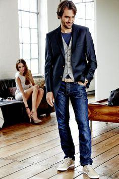 Smart mit Weste, Sakko & Jeans