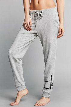 Calvin Klein Logo Sweatpant - Urban Outfitters
