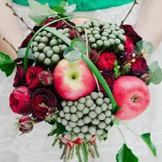 Great colour combinations and textures in this unusual eco-chic bouquet.