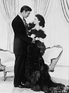"Vivien Leigh (as Scarlett O'Hara) & Clark Gable (as Rhett Butler), ""Gone with the Wind"" Vivien Leigh, Clark Gable, Jean Gabin, Jean Seberg, Margaret Mitchell, Photo D Art, Picture Photo, John Travolta, Old Movies"