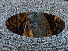 美孔庵 -MIKULAN- 2007 【~四顔の庭~】 撮影:ZEN - 自然派庭師の日々精進 Urban Landscape, Landscape Design, Garden Design, Bonsai, Patio Plants, Japanese Architecture, Private Garden, Garden Stones, Outdoor Art