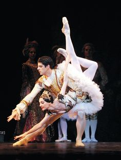 Marcelo Gomes and Greta Hodgkinson in The Sleeping Beauty. Photo by Cylla von Tiedemann.