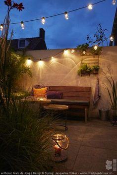 Garden trends by Jacqueline Volker - News - garden ideas UW-tuin. Interior Garden, Interior And Exterior, Garden Care, Amazing Gardens, Houseplants, Garden Design, Home And Garden, Backyard, Outdoor Decor
