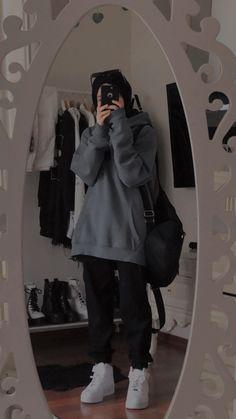 Korean Girl Fashion, Tomboy Fashion, Teen Fashion Outfits, Mode Outfits, Retro Outfits, Cute Casual Outfits, Grunge Outfits, Streetwear Fashion, Stylish Outfits