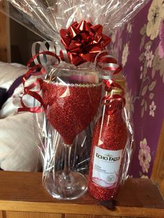 Glitter wine glass set. Perfect Christmas present in red! Purchase online at www.facebook.com/theglitterroom