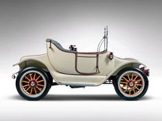 1914 Detroit Electric Model-46 Cape-Top Roadster ... =====>Information=====> https://www.pinterest.com/campatt2018/1880-1945-antique-automobiles/ ... =====>Information=====> https://de.pinterest.com/agatilao/cars-03-1905-1919-edwardian-brass-era-ii/