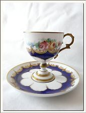 ANTIQUE 19th CENTURY SEVRES HANDPAINTED ROSES FRENCH PORCELAIN TEA CUP !!!