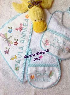 Juego de toalla para bebé con capucha, babero y saca-gas, bordado en punto en cruz y personalizado.