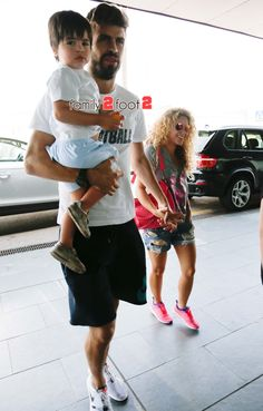 Shakira with Gerard and Milan (July 9, 2015)