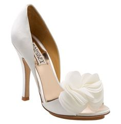 Zapatos blancos para bodas de Badgley Mischka