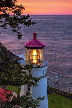 Dawn over Heceta Head by Andrew Soundarajan - - Morning colors over the Heceta Head Lighthouse along the Oregon coast. Lighthouse Lighting, Lighthouse Painting, Lighthouse Pictures, Southern Oregon Coast, Beacon Of Light, Nature Photography, Scenic Photography, Landscape Photography, Sunrise