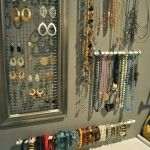 DIY Jewelry Wall...under 10 bucks! love this