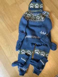 Winter Hats, Gloves, Fashion, Moda, Fashion Styles, Fashion Illustrations