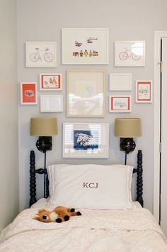 Color accents with picture mounting