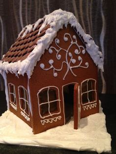 Gingerbread house for Xmas Gingerbread Houses, Xmas, Cupcake Cakes, Christmas Christmas, Christmas, Cupcakes, Weihnachten, Cupcake, Noel