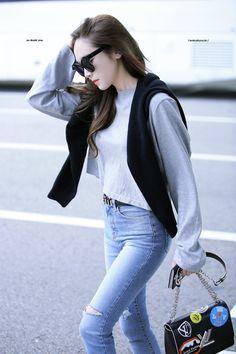 161001 Jessica Jung at Airport もっと見る