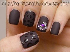 OMG. Love the shiny black cheetah print on dull gun metal black base nail polish. So many places to go with this concept! :)