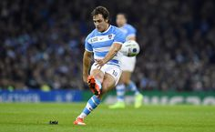 "Nicolas Sanchez | Argentina's ""Los Pumas"" vs Ireland in the quarter finals of the Rugby World Cup. Pumas, Argentina World Cup, Rugby World Cup, Vintage Sport, Running, Finals, Ph, Ireland, Sports"