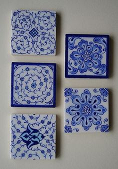 Porcelain Tiles in 'Blue and White' ware~ Turkish Plates, Turkish Tiles, Turkish Art, Wallpaper Stencil, Pattern Wallpaper, Blue Pottery, Ceramic Pottery, Ceramic Painting, Diy Painting
