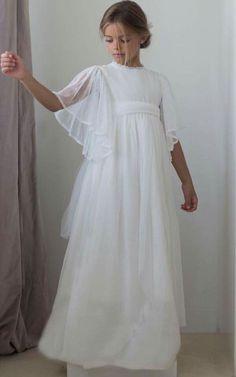 Blush Flower Girl Dresses, Ivory Bridesmaid Dresses, Little Girl Dresses, Fashion Kids, Young Fashion, Toddler Fashion, Girls Communion Dresses, Baptism Dress, Vintage Kids Clothes