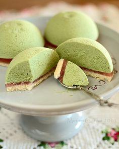 Matcha tea mousse cakes
