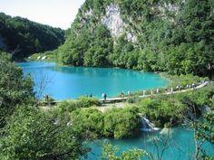 PLITVIČKA JEZERA, CROATIA  PLITVICE LAKES  Chain of 16 wondrous lakes formed as a result the gradual dissolution of soluble layers of bedrock