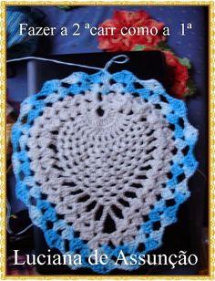 A ideia e postagem da Luciana de Assunção arrasa, mas a Lucia Leonel não fica atrás. Olhem que ideia genial. Crochet For Kids, Crochet Baby, Knit Crochet, Crochet Designs, Crochet Patterns, Owl Bathroom, Crochet Diagram, Christmas Crafts, Crochet Earrings
