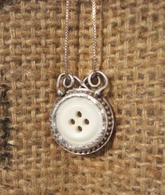 Vintage Button Necklace. Lisa buchanan. You could make these.