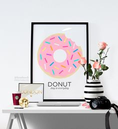 So pretty! I want! Donut Art //Printable Wall Art // by LoveBombPrintables on Etsy