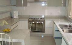 Cozinha-Planejada-Granito-Branco-Itauna-800x500.jpg (800×500)