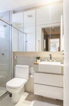 32 Trendy Home Decoration Ideas Bathroom Bathroom Design Small, Bathroom Layout, Bathroom Interior Design, Modern Bathroom, Bath Design, Mirror Bathroom, Kitchen Layout, Mirror Mirror, Room Kitchen