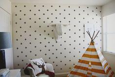 Maak leuke kruisjes op je muur met zwarte #washitape - Buy #maskingtape at www.vanmariel.nl