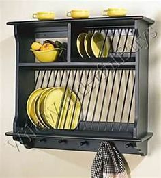 New farmhouse kitchen wood cabinets plate racks Ideas Cabinet Plate Rack, Plate Racks In Kitchen, Plate Shelves, Plate Storage, Wooden Plate Rack, Diy Plate Rack, Wooden Plates, Plates On Wall, Kitchen Sink Design