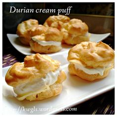 Durian Cream Puff (榴莲泡芙)