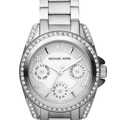 My Michael Kors watch!!! Love it thanks to my other half <3 spoiled girl lol