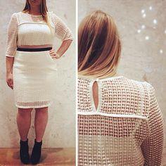 We are dreaming of warmer days in this wonderful white @carmakoma skirt and top!  #hellomarch #dreamingofspring #whiteoutfit #skirt #plussize #plussizefashion #plussizestyle #psfashion #psstyle #psblogger #fatshion #effyourbeautystandards #honormycurves #curves #curvy #torontofashion #primaala #beautyislimitless #plussizeootd #psootd #curvesarein #beautybeyondsize #lovetheskinyourein #Toronto #blizzard #detail #texture