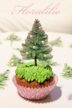 Christmas Tree Cupcakes - Cake by Floralilie