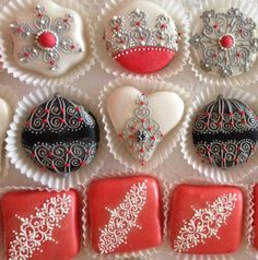 Dolci di Anna Gardu Tunisian Food, Moroccan Party, Algerian Recipes, Cookie Desserts, Cake Cookies, Cupcakes, Mini Cakes, Chocolate Cookies, Holiday Treats