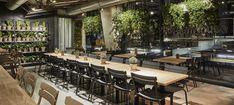 Vienna House Mokotow Warsaw to industrialny wystrój w biznesowym centrum warszawskiego Mokotowa. Połączenie gościnności i ekologii wyróżniają ten nowoczesny hotel. Lobby hotelowe nawiązuje do śródziemnomorskiego stylu życia, a w hotelowym barze goście czują się swobodnie, a biznes traci swoj formalny charakter. Vienna House, Warsaw, Conference Room, Bar, Table, Furniture, Home Decor, Decoration Home, Room Decor