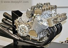 Honda RC174 straight six 300 cc Grand Prix engine