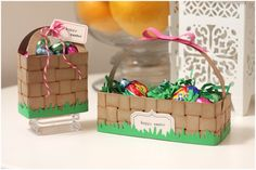 Clever and cute baskets (and made in a totally do-able way) from Amber. Fabulous, A!