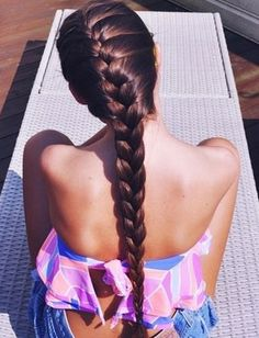 French braid hairstyles are one of the easiest looking braid hairstyles to rock the party look. A French braid hairstyle can be done by yourself at home. There are endless different looks you can give with this French braided style. Summer Hairstyles, Pretty Hairstyles, Girl Hairstyles, Braided Hairstyles, Popular Hairstyles, Perfect Hairstyle, Teenage Hairstyles, Wavy Haircuts, Hairstyles 2016