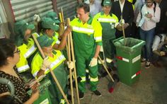#News  João Doria se veste de gari em seu primeiro dia de trabalho como prefeito de São Paulo